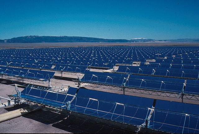The first commercial parabolic power plants with a total of 354 megawatts went to California.